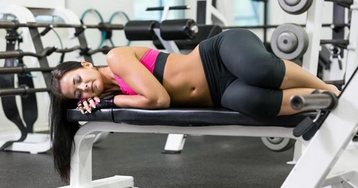 сон на тренировке